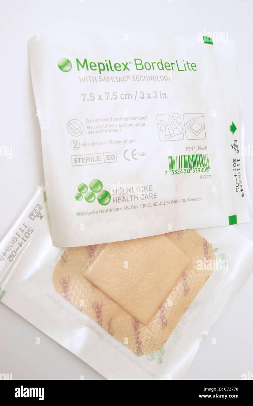 Mepilex borderlite iodine dressing / plaster to keep wound infection free - Stock Image