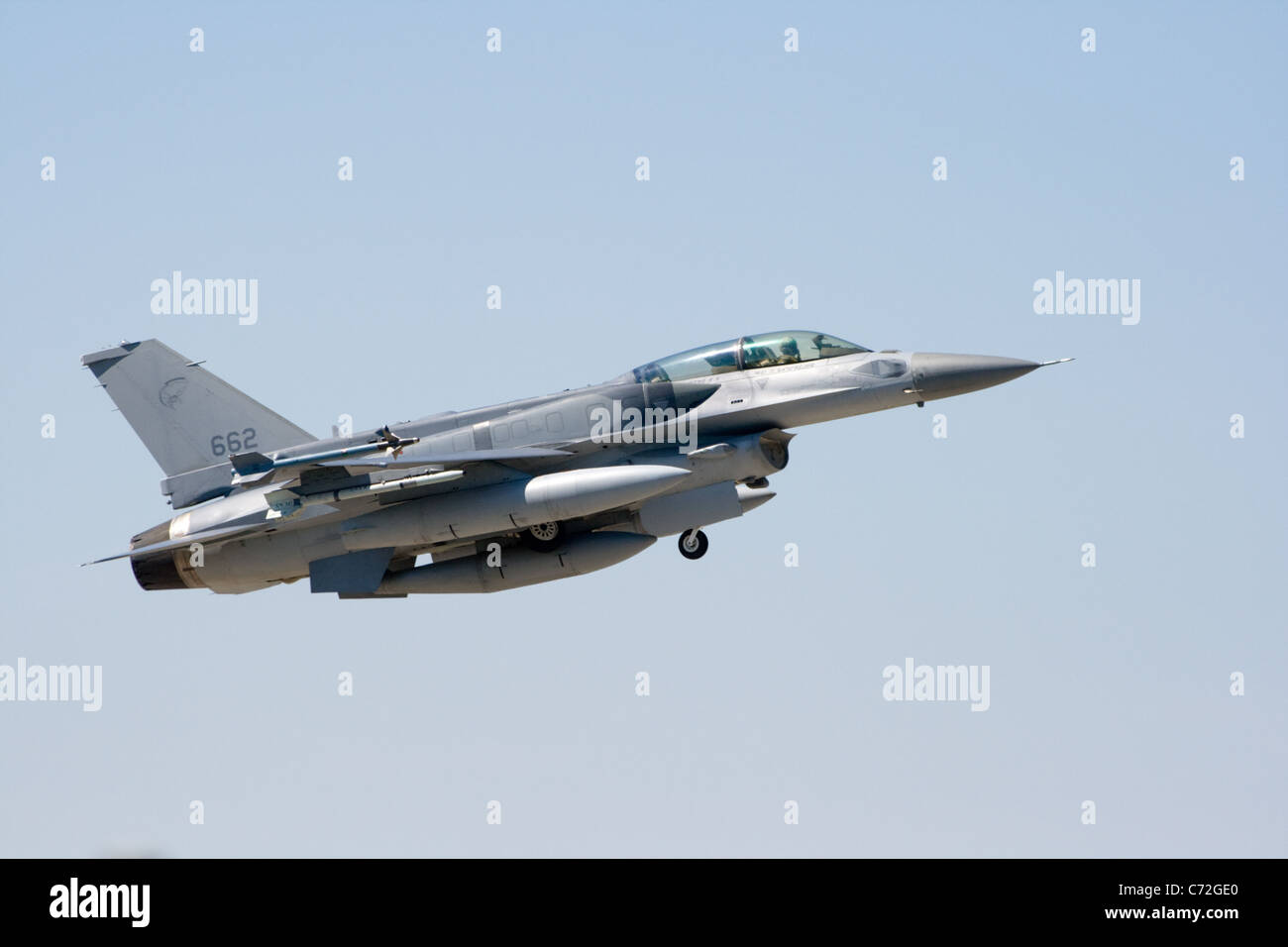 Singaporean Air Force F-16D takes off from Orange airbase in France as part of Exercise Garuda IV. - Stock Image