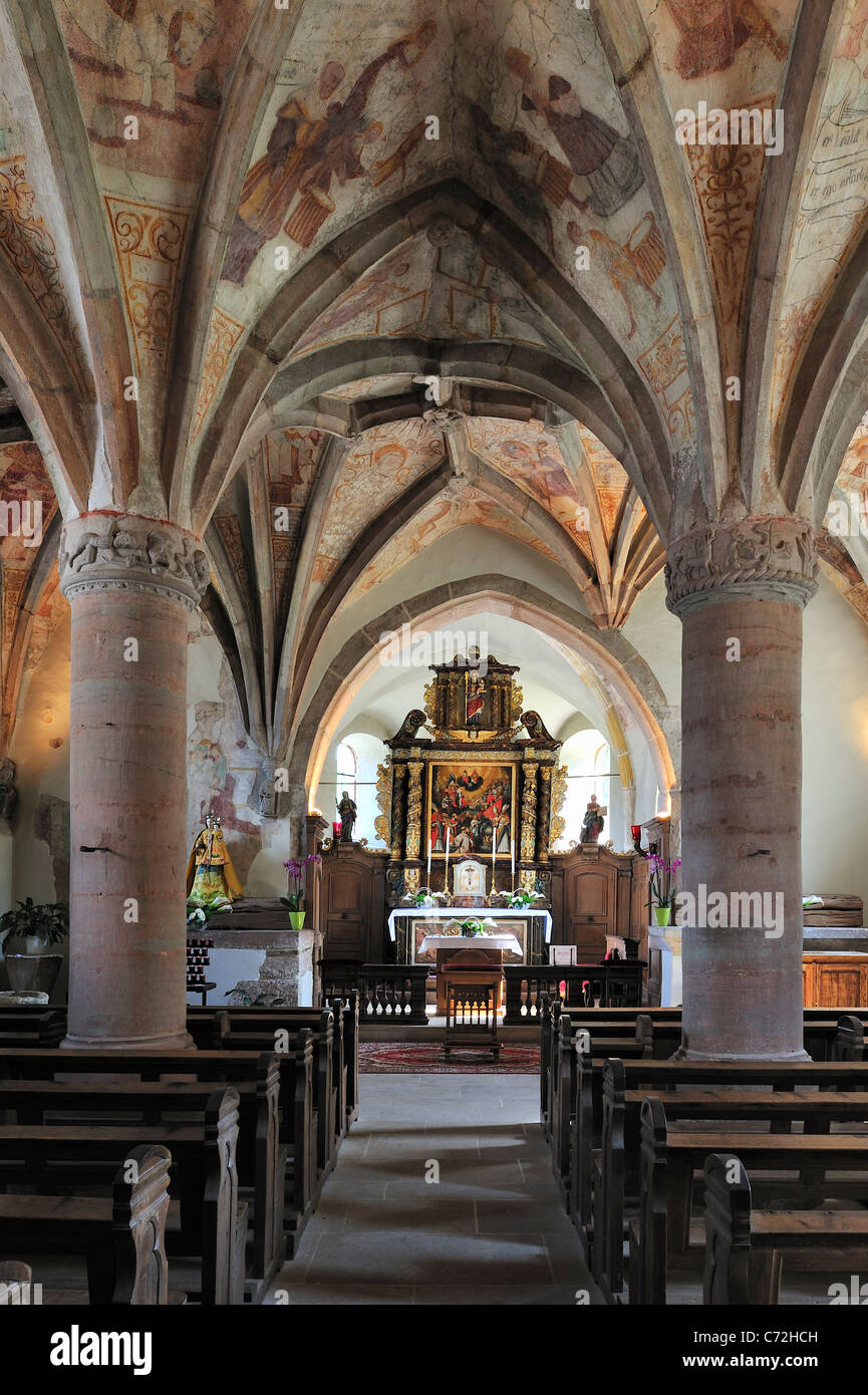 The church of Rindschleiden / Randschleid, with its frescoes from the 15th and 16th century, smallest village in - Stock Image