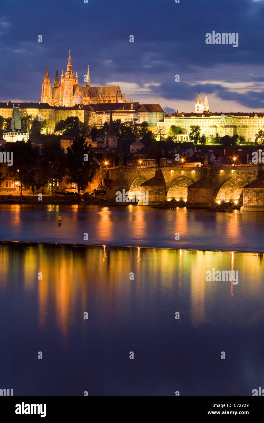 Evening atmosphere at the Charles Bridge with the Prague Castle, Hradschin, Prague, Czech Republic, Europe - Stock Image