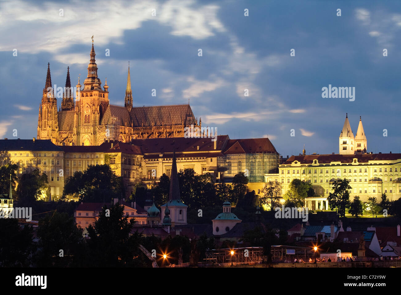 Evening mood at the Charles Bridge with Prague Castle, Hradcany, Prague, Czech Republic, Europe - Stock Image