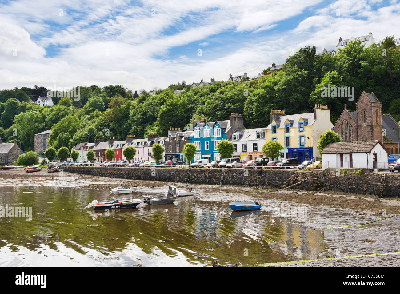 The seafront in the picturesque fishing port of Tobermory on the Isle of Mull, Inner Hebrides, Argyll and Bute, - Stock Image