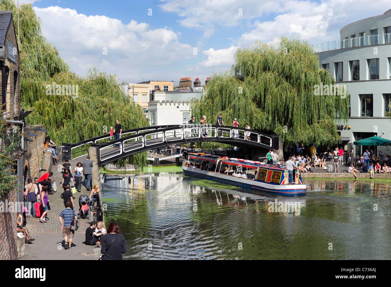 Narrowboat at Camden Lock, North London, England, UK - Stock Image