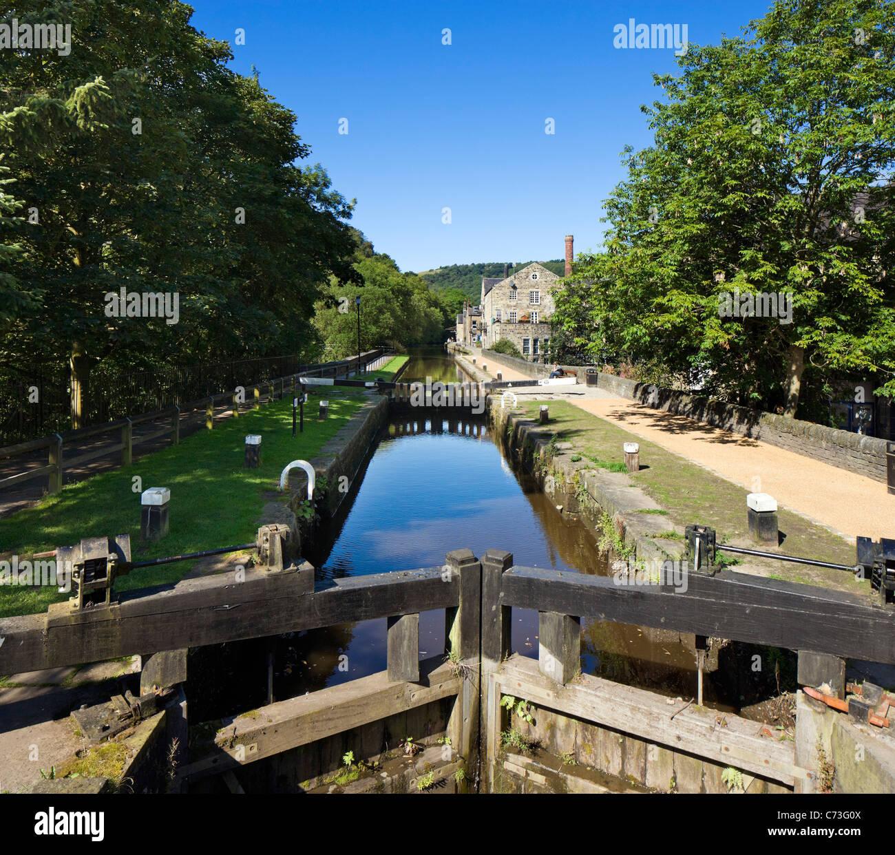 Lock gates on the Rochdale Canal, Hebden Bridge, Calder Valley, West Yorkshire, England, United Kingdom - Stock Image