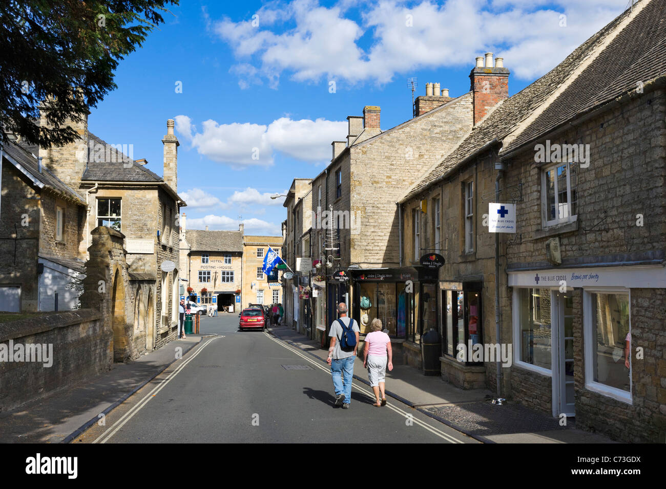 Church Street in the centre of the Cotswold town of Stow-on-the-Wold, Gloucestershire, England, UK - Stock Image