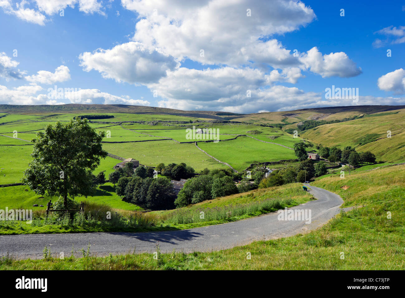 Countryside between Arncliffe and Malham, Littondale, Yorkshire Dales National Park, England, UK - Stock Image