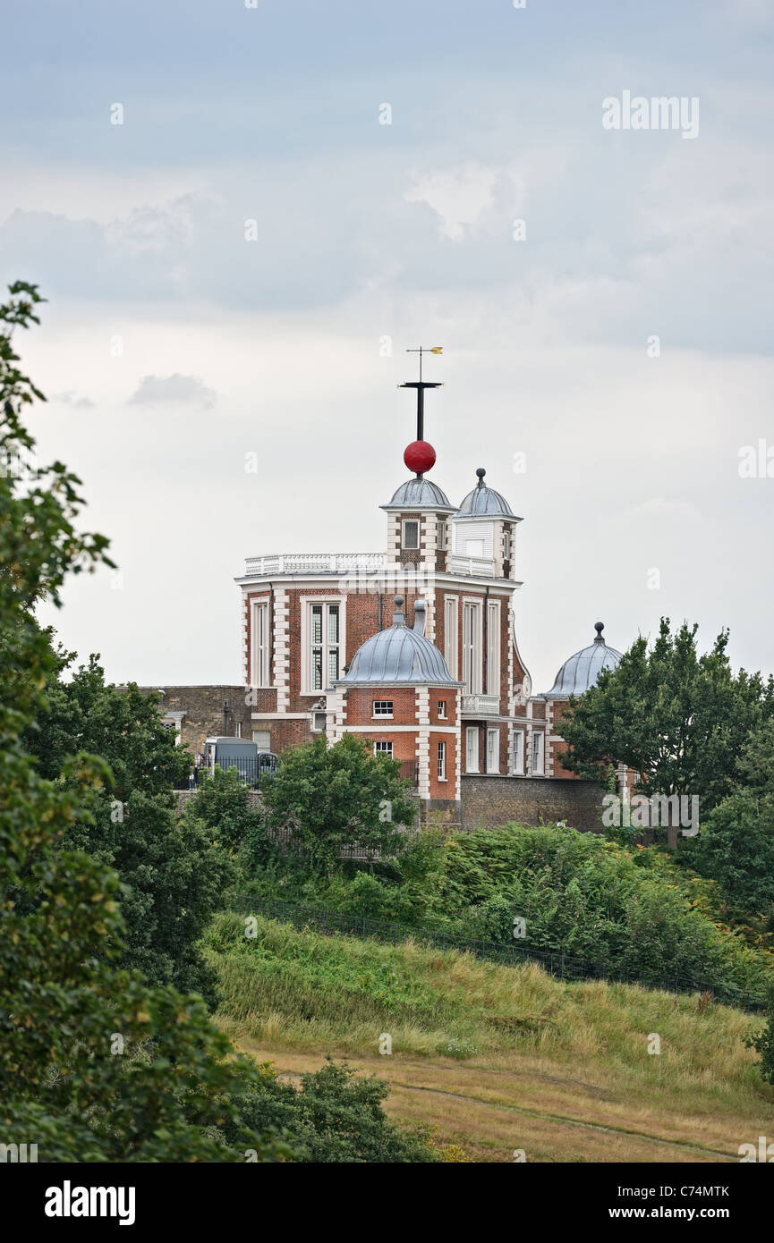 Greenwich Time Ball over Flamsteed House, Greenwich, London, England, UK - Stock Image