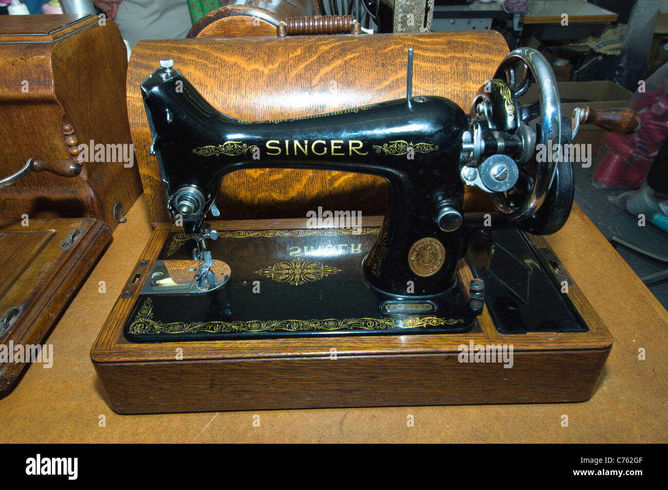 Vintage Singer Sewing Machine High Resolution Stock Photography