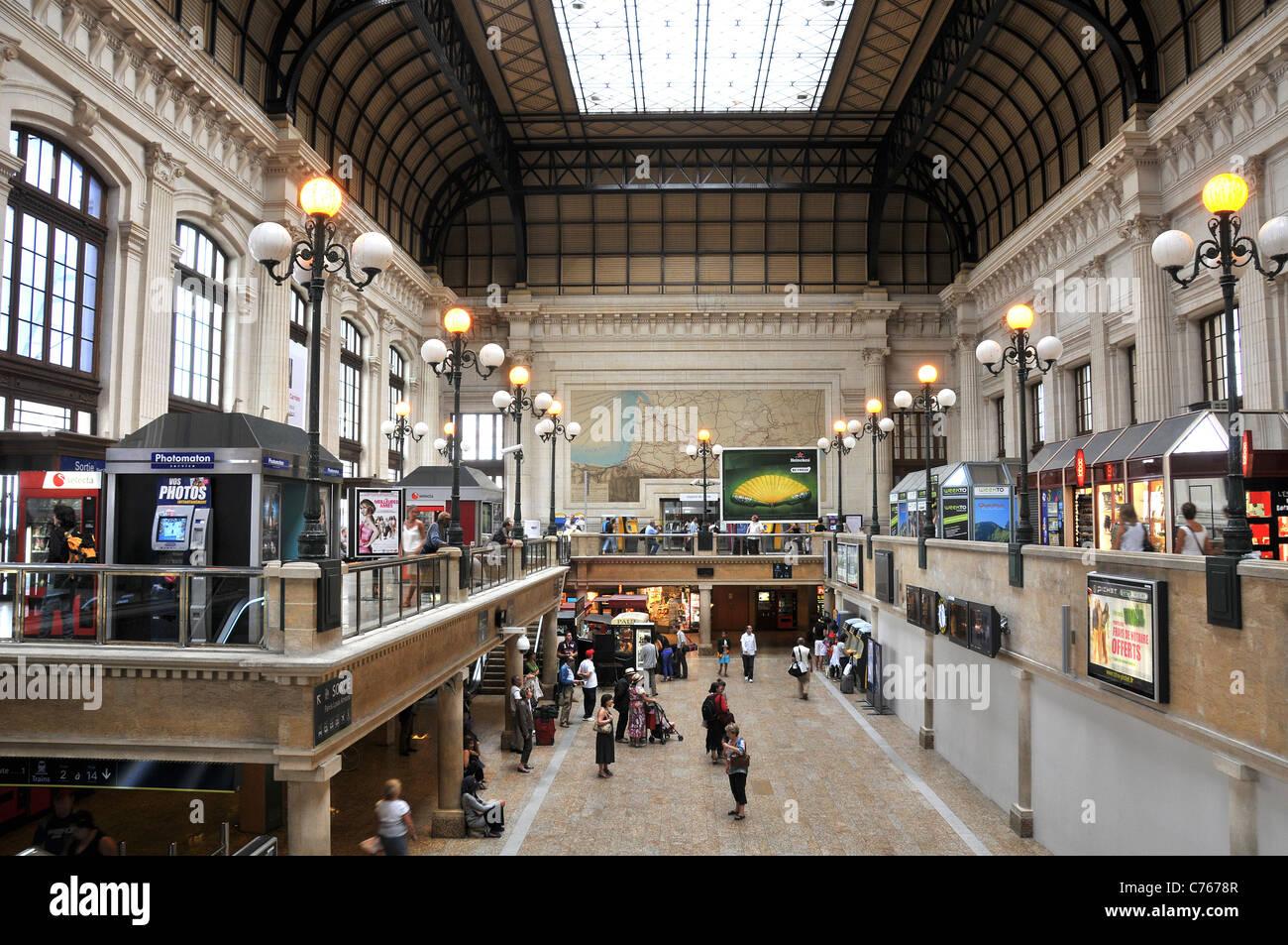 Bordeaux Saint-Jean railway station Bordeaux Gironde ...