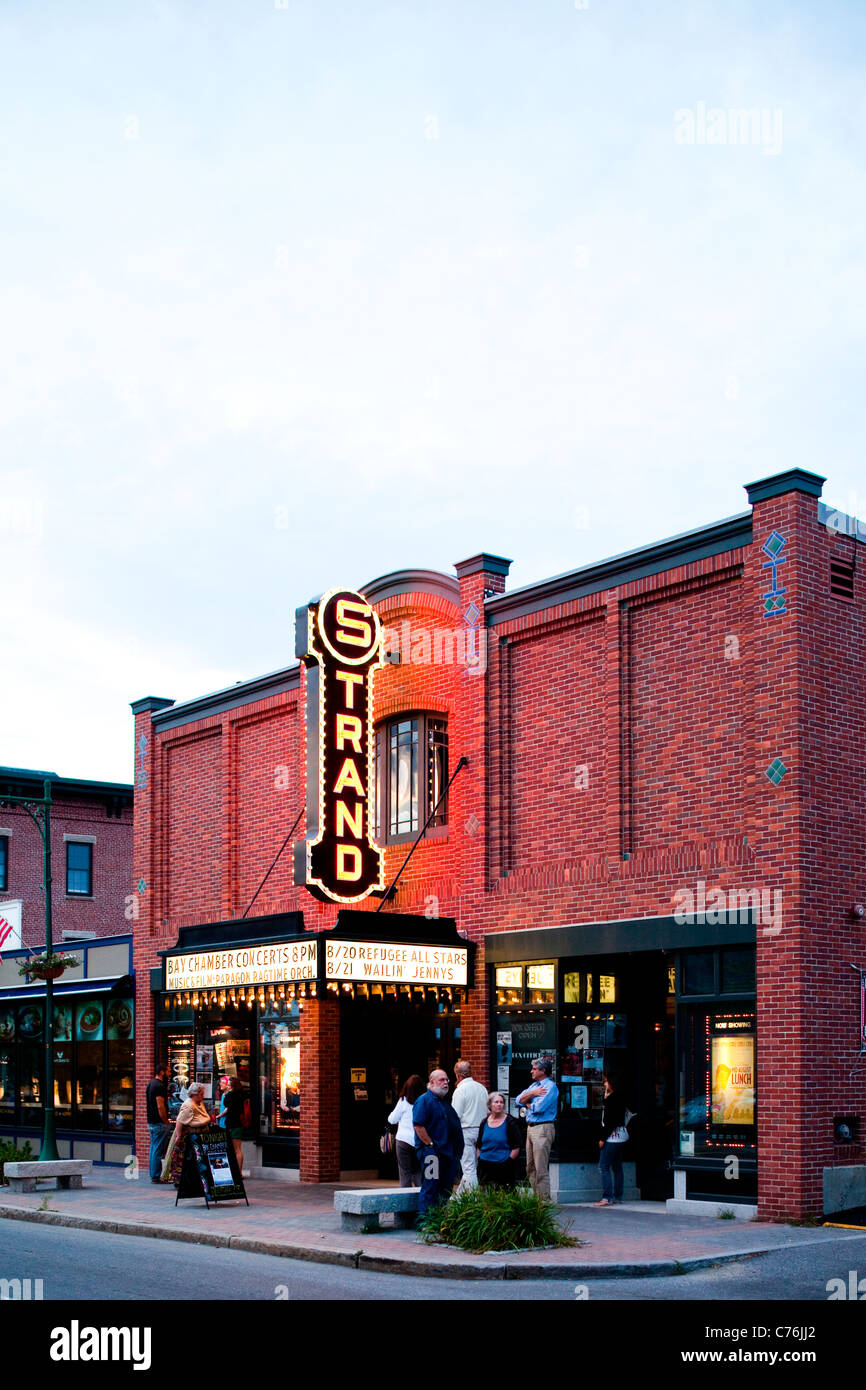 A movie theater on a small town maine street. - Stock Image