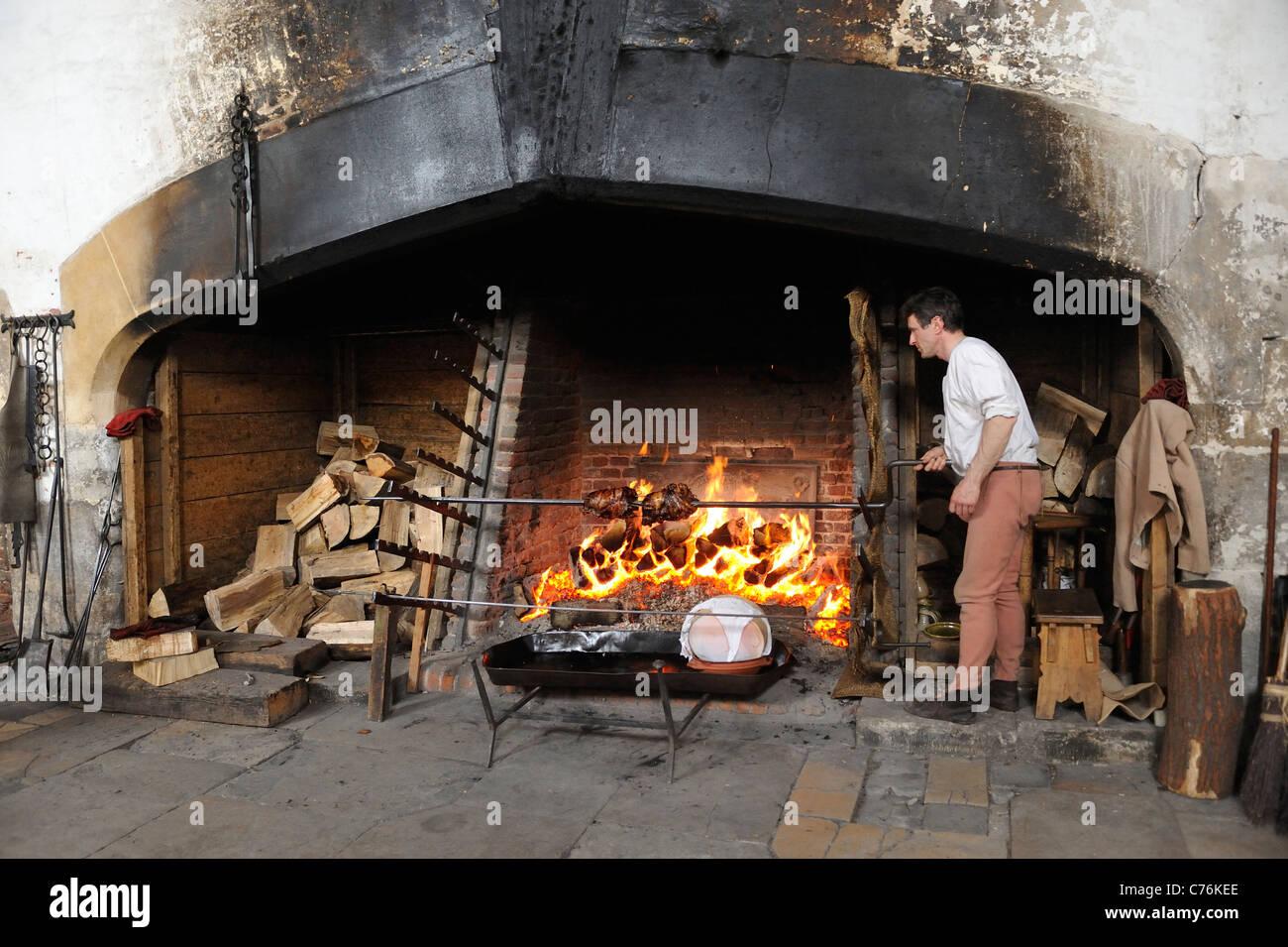 Tudor Kitchen Stock Photos & Tudor Kitchen Stock Images - Alamy