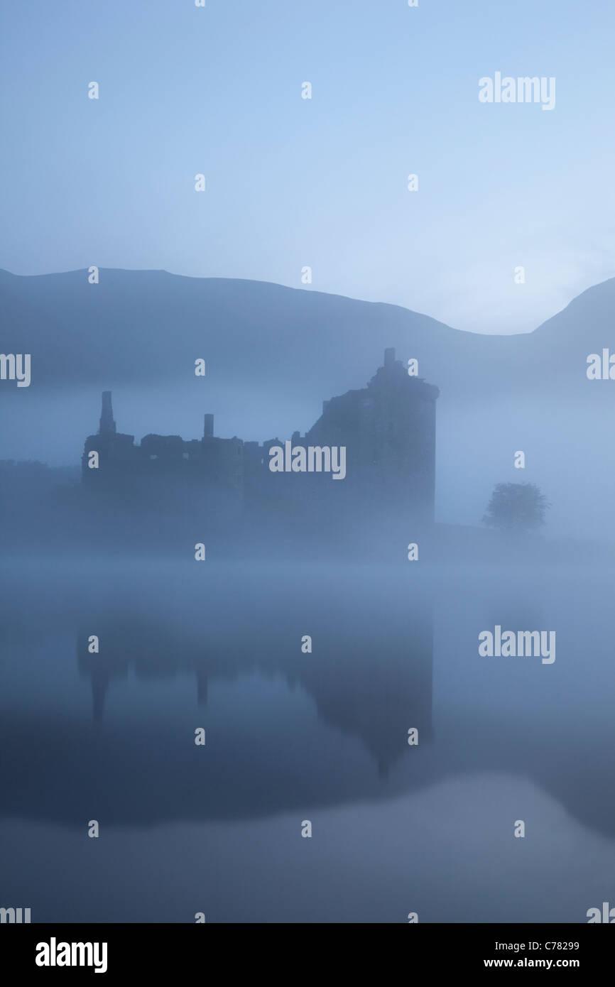 Scotland, Strathclyde, Loch Awe, Kilchurn Castle - Stock Image
