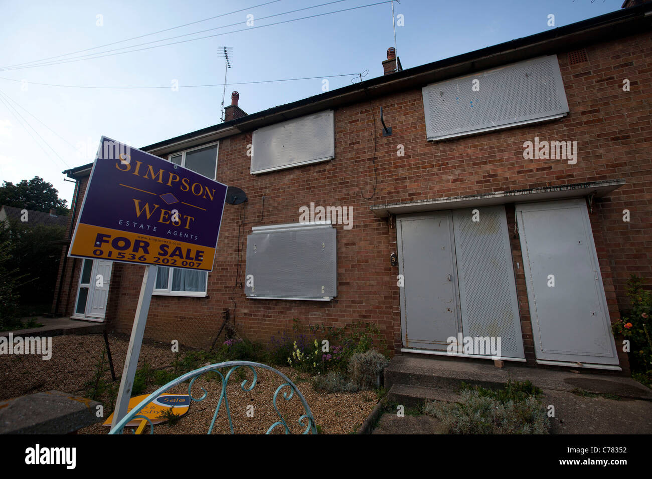 repossessed house for sale in corby Northamptonshire - Stock Image
