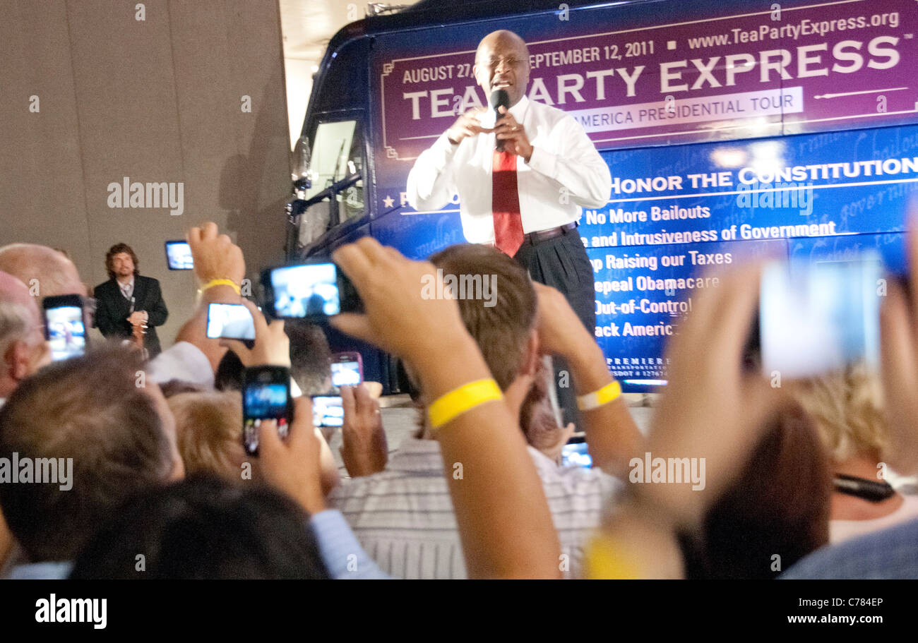 Republican candidate for president, Herman Cain, addresses supporters at the Tea Party/CNN debate - Stock Image
