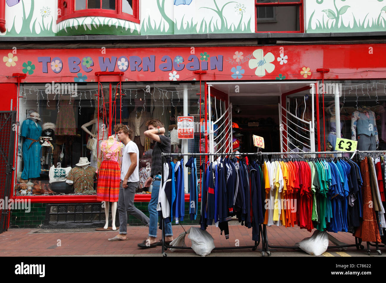 578c60ad3a Used Clothes Shop Stock Photos   Used Clothes Shop Stock Images - Alamy