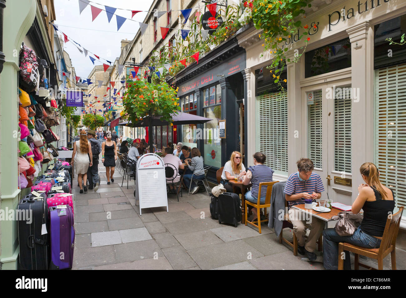 Shops and cafes on Northumberland Place in the city centre, Bath, Somerset, England, UK - Stock Image