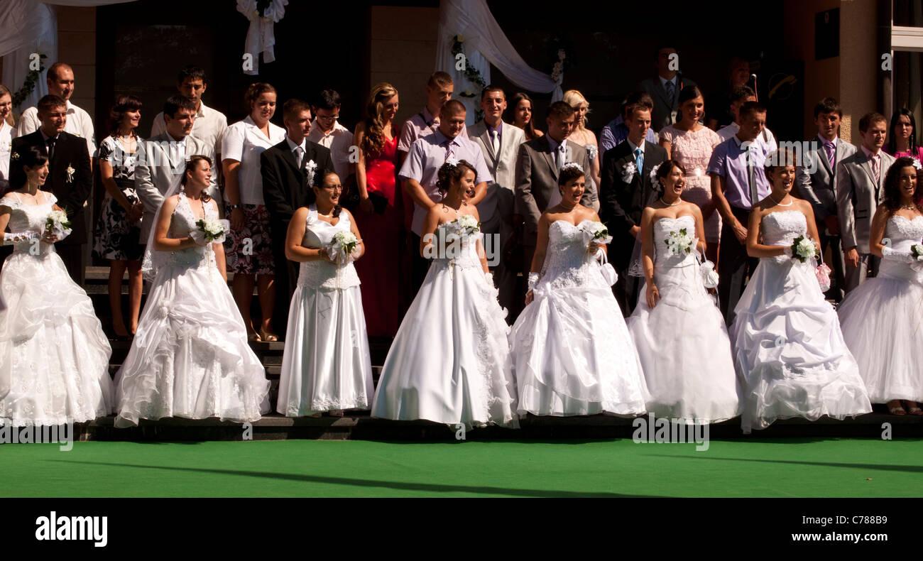 Group wedding in Bosnia - Stock Image