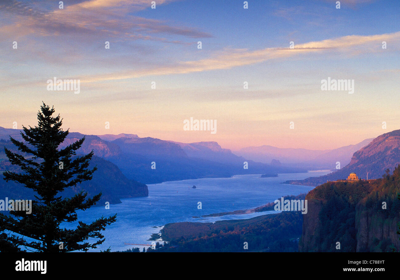 Columbia River Gorge view from Women's Forum Park to Crown Point and east at sunset; Oregon-Washington border, - Stock Image