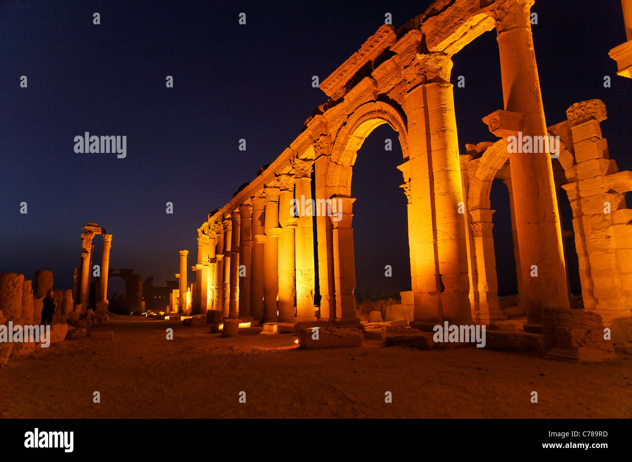 Colonnaded street at Palmyra, Syria - Stock Image