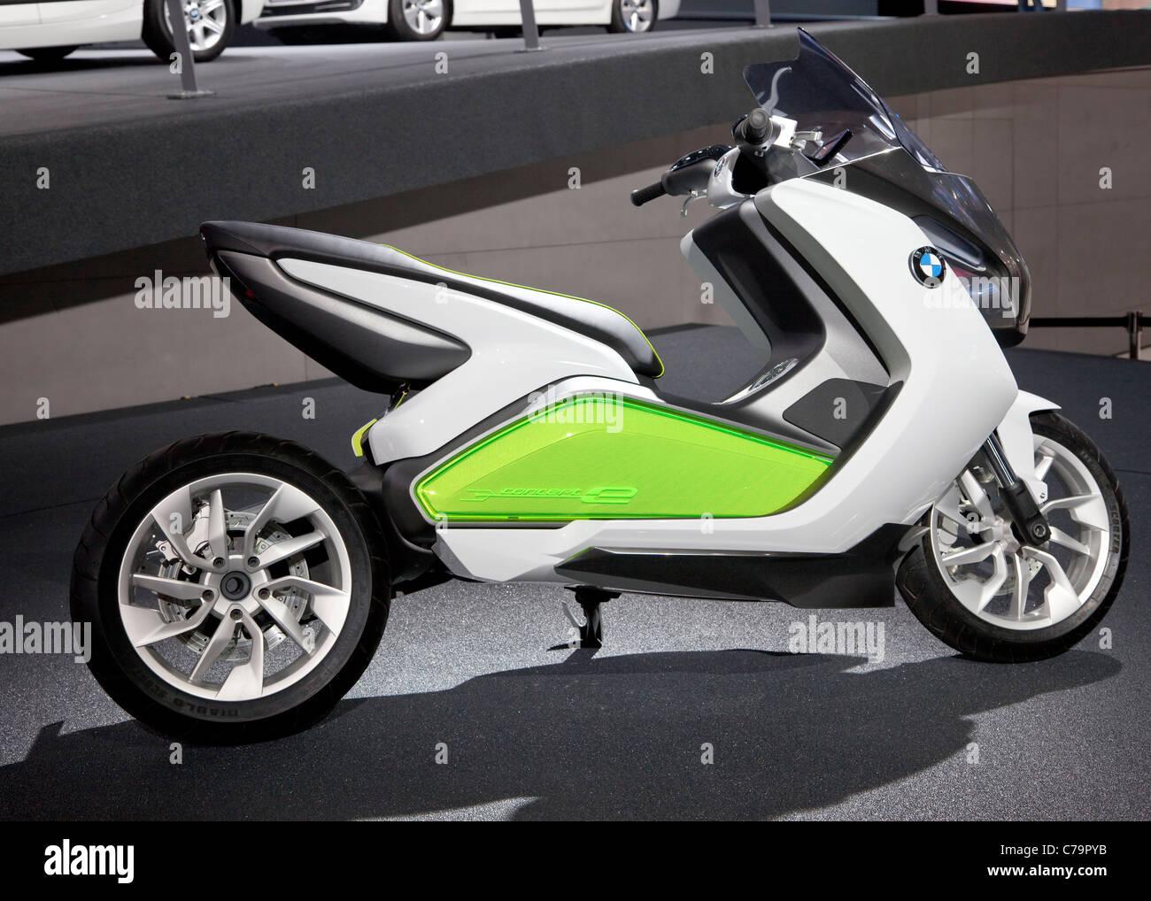 New BMW Concept-e Bike e-bike electric scooter on the IAA 2011 International Motor Show in Frankfurt am Main, Germany - Stock Image