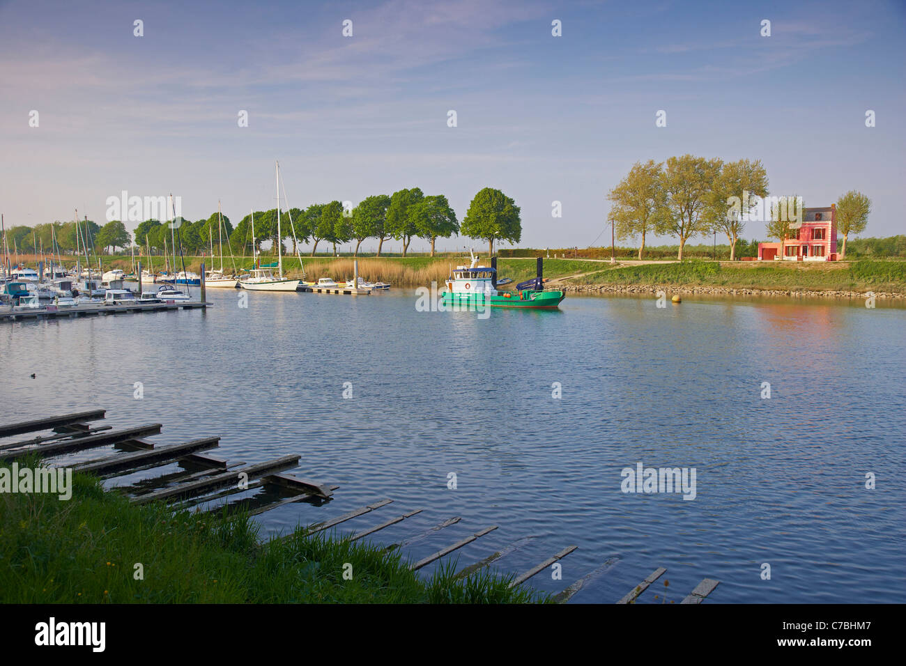 Late afternoon at the river at Saint-Valery-sur-Somme, Dept. Somme, Picardie, France, Europe - Stock Image