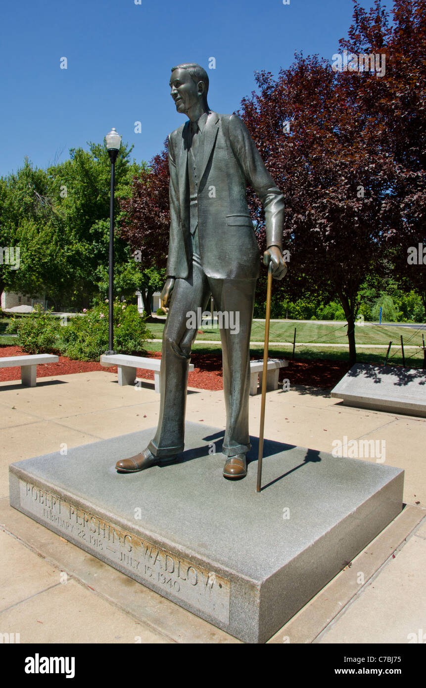 The statue of Robert Wadlow, the tallest man in recorded history, in Alton, Illinois - Stock Image
