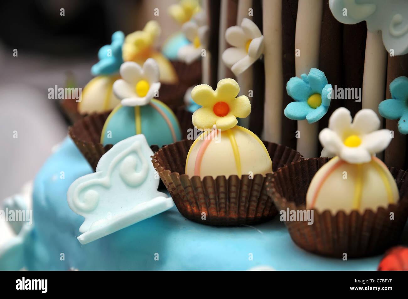 Flowers cake decoration - Stock Image