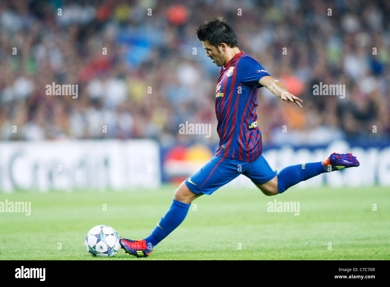 David Villa (Barcelona) play for the UEFA Champions League Group H match between FC Barcelona 2-2 AC Milan. - Stock Image