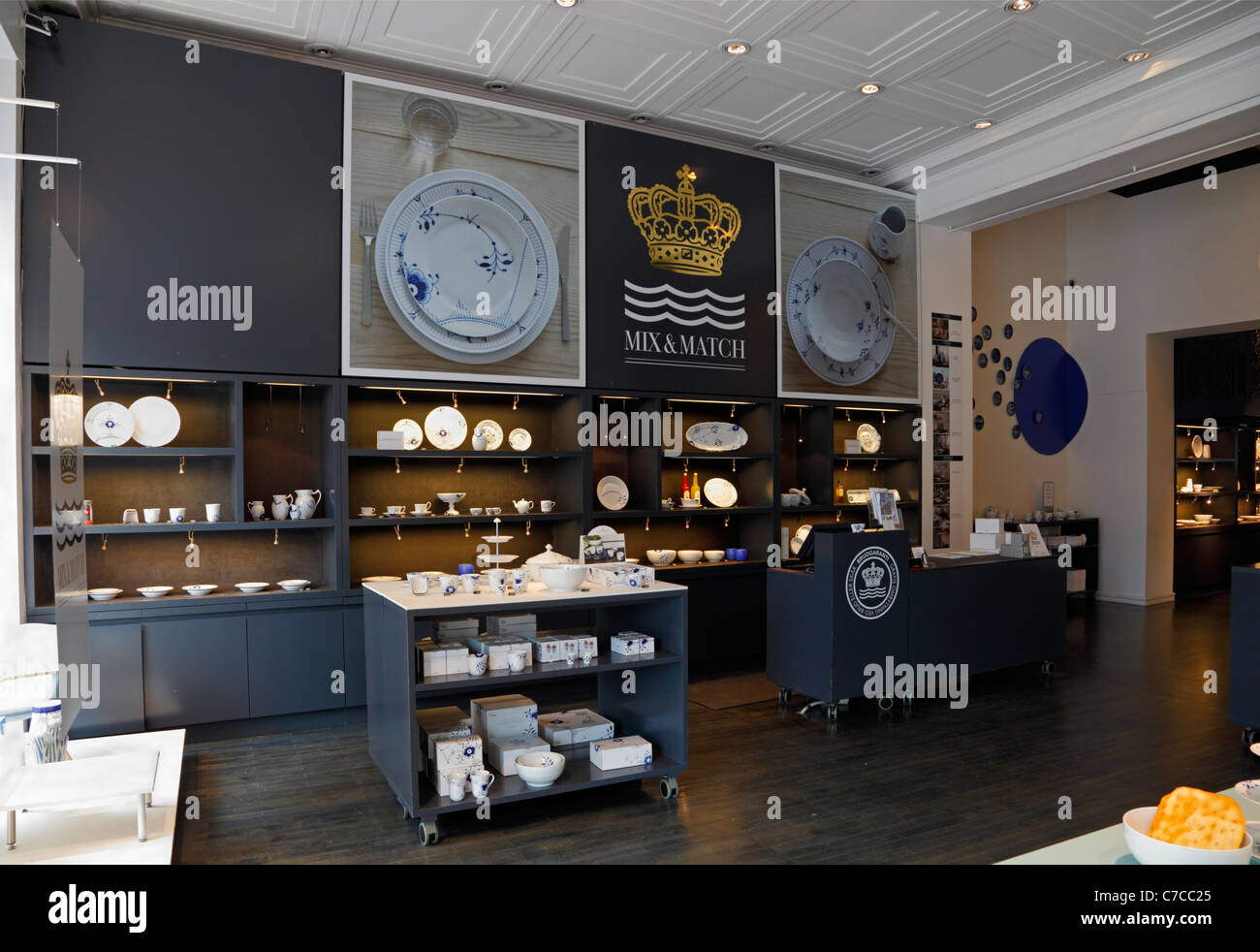 Display of Blue Fluted Mega design in the Royal Copenhagen porcelain shop on the main shopping and pedestrian street - Stock Image
