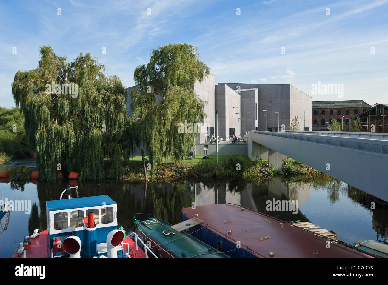 The Hepworth Wakefield art gallery viewed from across the River Calder, Wakefield, West Yorkshire, UK - Stock Image