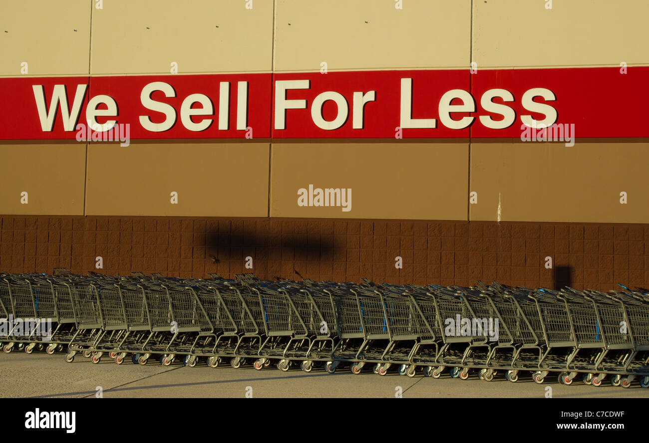 Wal Mart Store Stock Photos & Wal Mart Store Stock Images - Page 3 ...