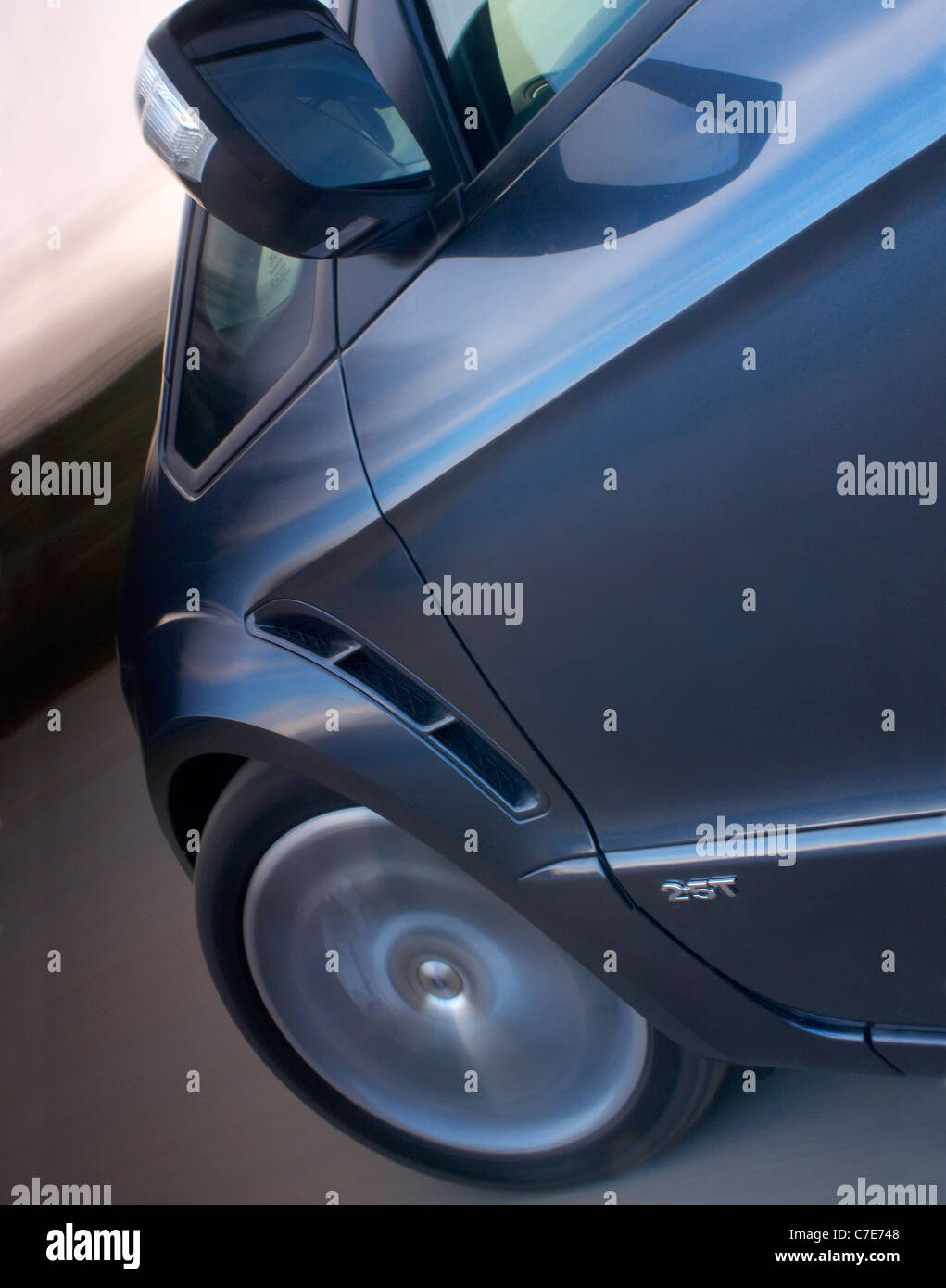 Ford S-max 2.5T front 3/4 - Stock Image