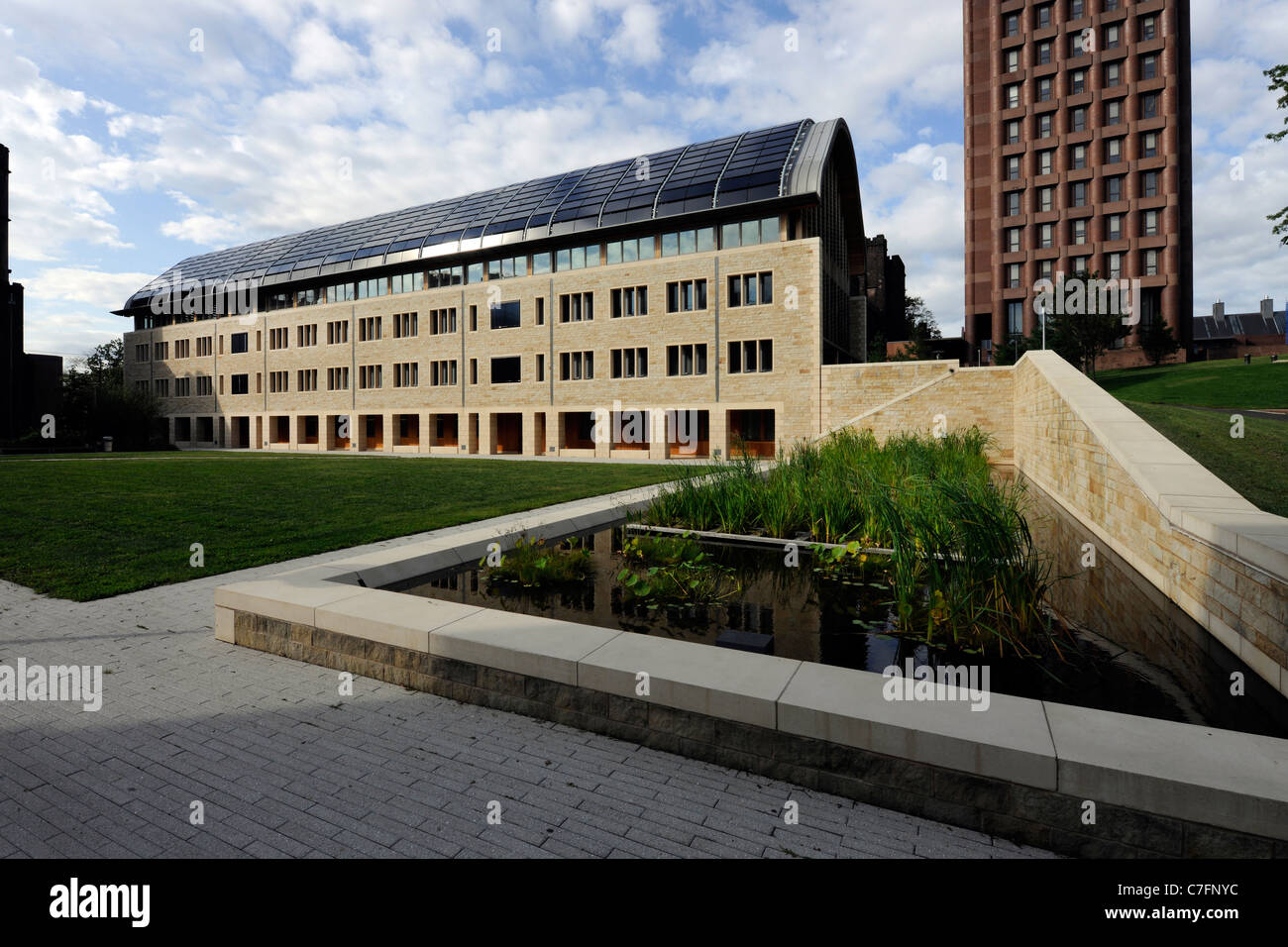 Kroon Hall, home of Yale University School of Forestry and Environmental Studies. Certified LEED platinum building. - Stock Image