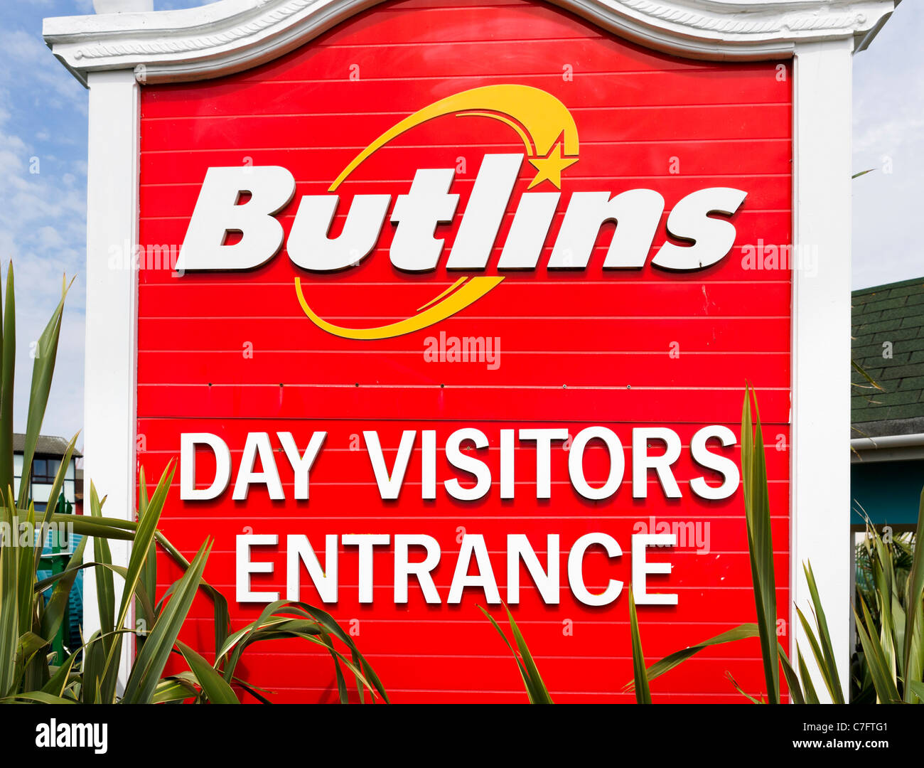 Sign for day visitors entrance Butlins, Bognor Regis, West Sussex, England, UK - Stock Image
