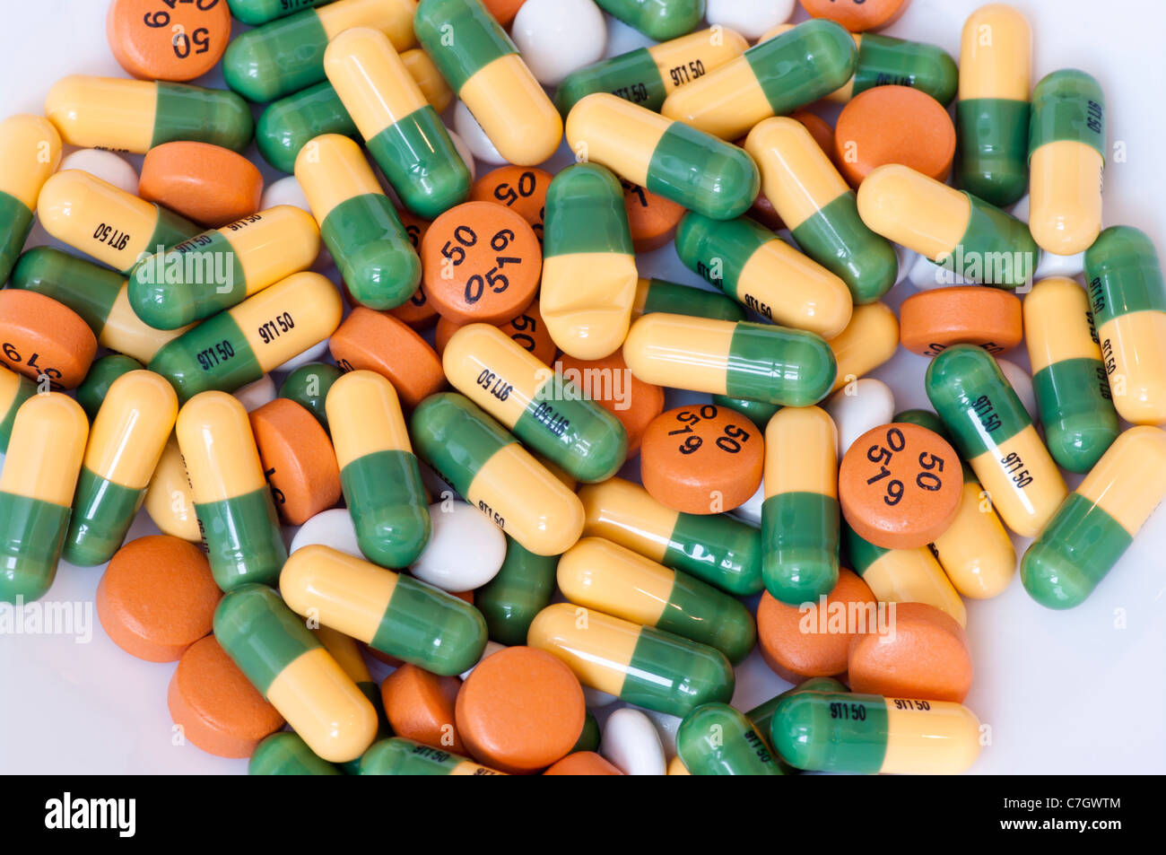 Pile Of Tramadol Hydrochloride Capsules Diclofenac Sodium Tablets And Buscapan Painkillers addictive prescription - Stock Image
