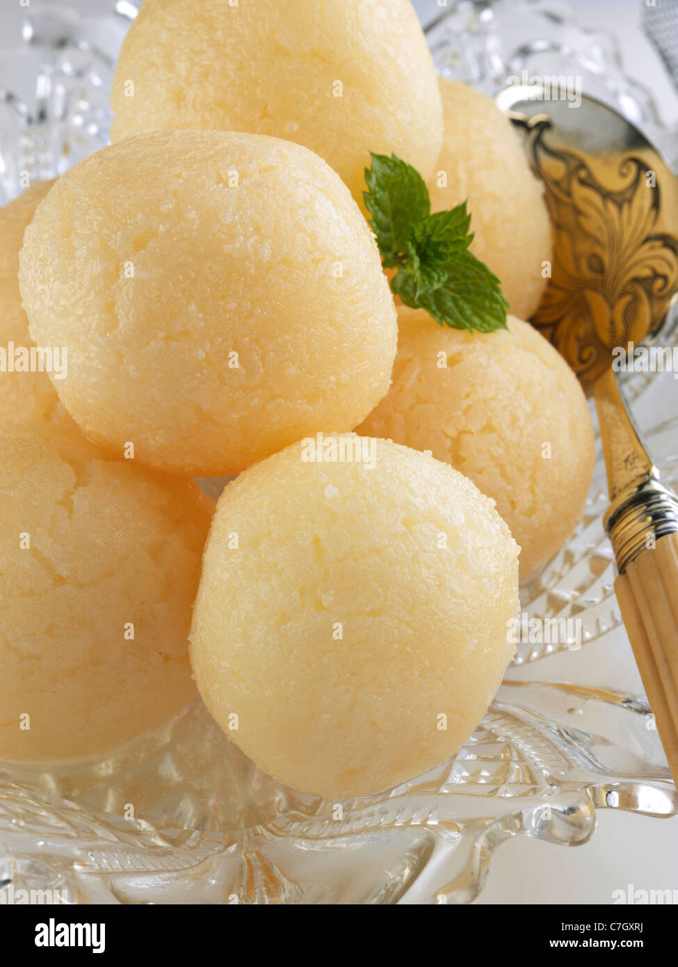 Pakistani confection Indian sweets Rassogula - Stock Image