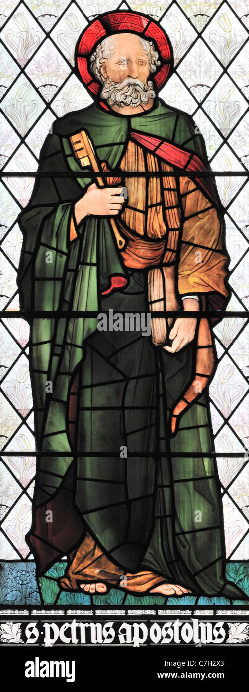 Stained glass window depicting St Peter the Apostle in Brampton Church, Cumbria, England - Stock Image