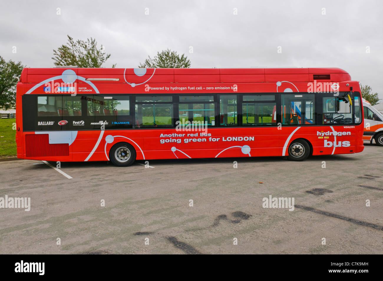 Hydrogen Fuel Cell Bus Stock Photos & Hydrogen Fuel Cell Bus Stock
