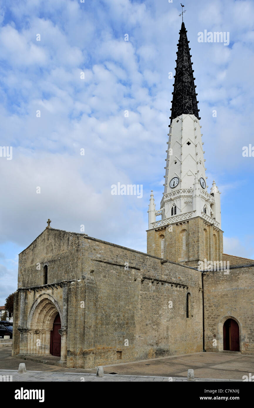 Black and white spire of church Saint Etienne, beacon for ships in Ars-en-Ré on the island Ile de Ré, - Stock Image