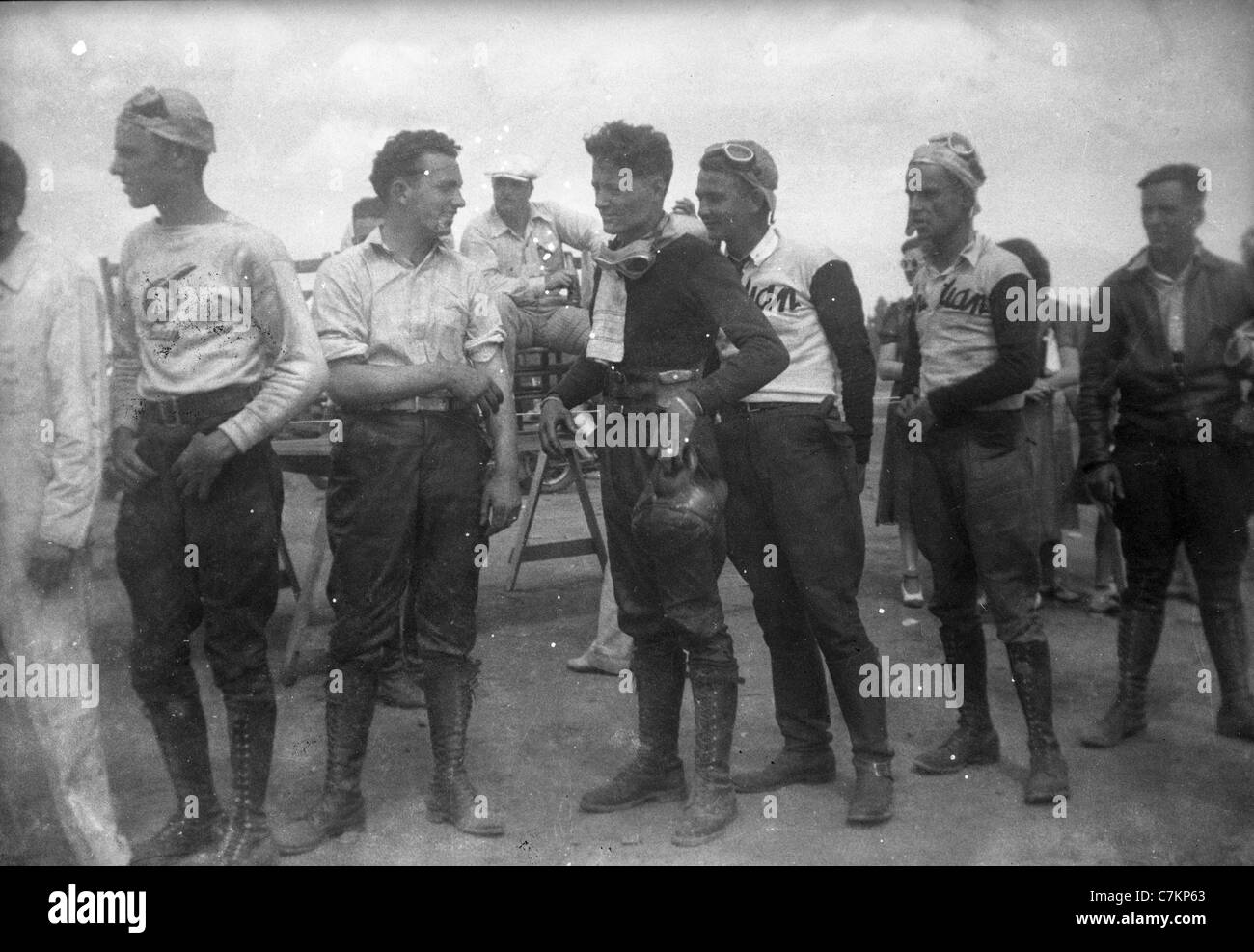 1930s motorcycle race Americana racers dressed men group fashion men's young males group - Stock Image