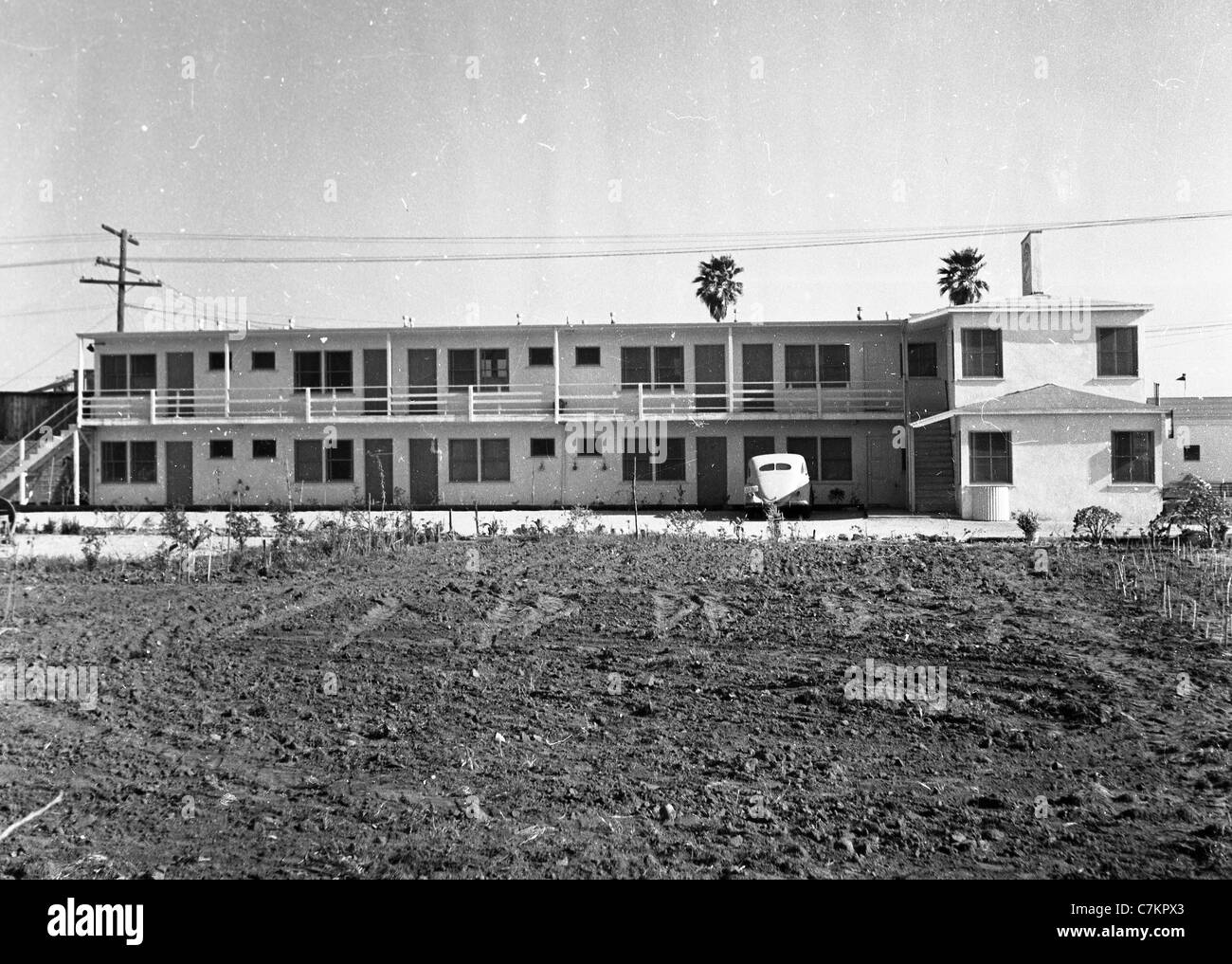 roadside motel two story 1930s southwest united states architecture travel lodging hotel - Stock Image