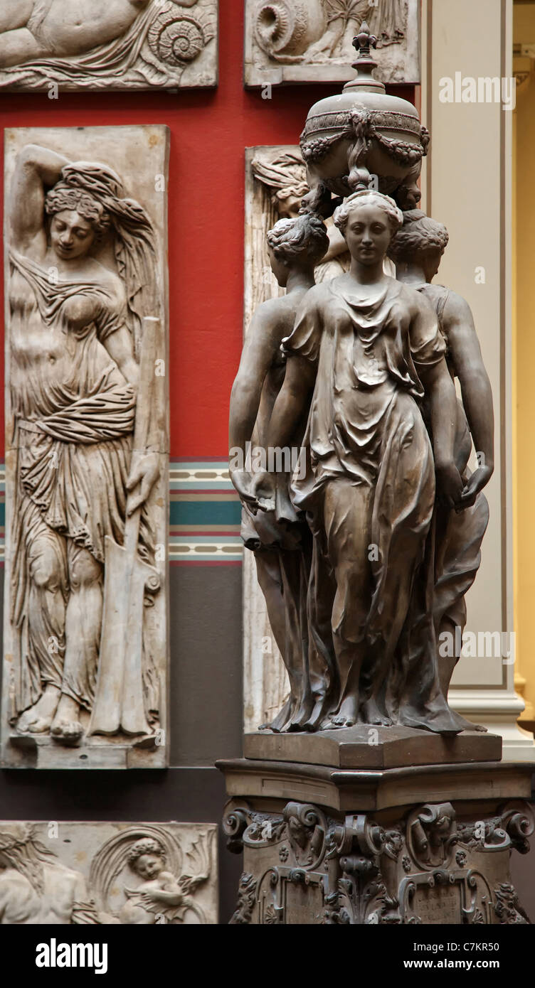 Plaster casts of Italian renaissance sculpture in the cast galleries of the Victoria and Albert Museum in Kensington - Stock Image