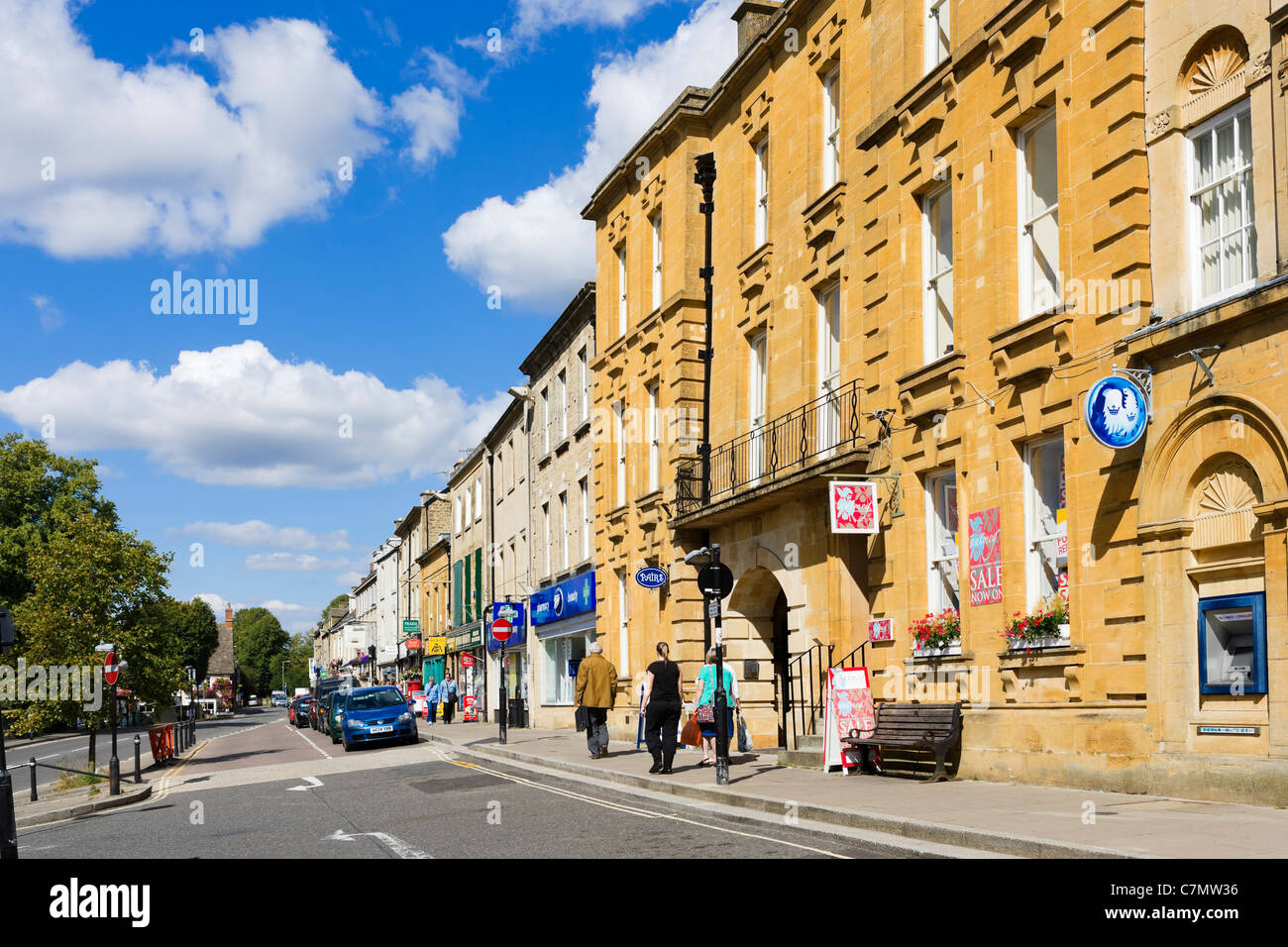 Centre of the Cotswold town of Chipping Norton, Oxfordshire, England, UK - Stock Image