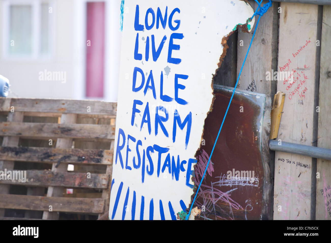Dale Farm eviction. A home made sign placed outside the illegal traveller site in Basildon. The residents are due - Stock Image