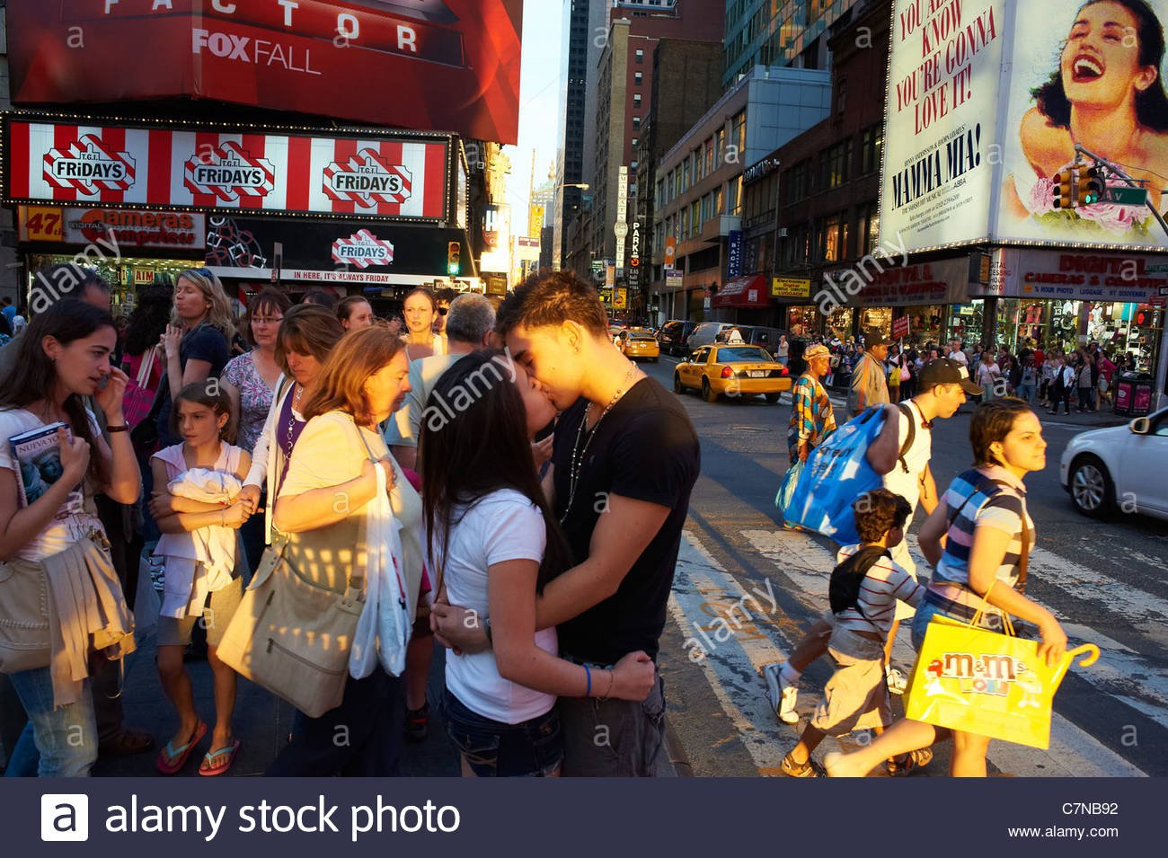 times square kiss stock photos times square kiss stock images alamy
