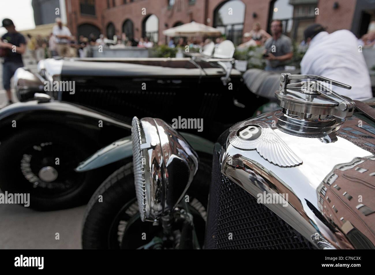 Two vintage BENTLEYs, Hamburg - Berlin KLASSIK rally, Prototyp Museum Hamburg, Hafencity district, Hamburg, Germany, - Stock Image