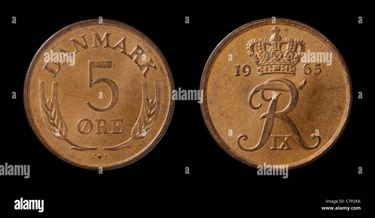 Danish 5-øre coin from 1965 isolated on black - Stock Image