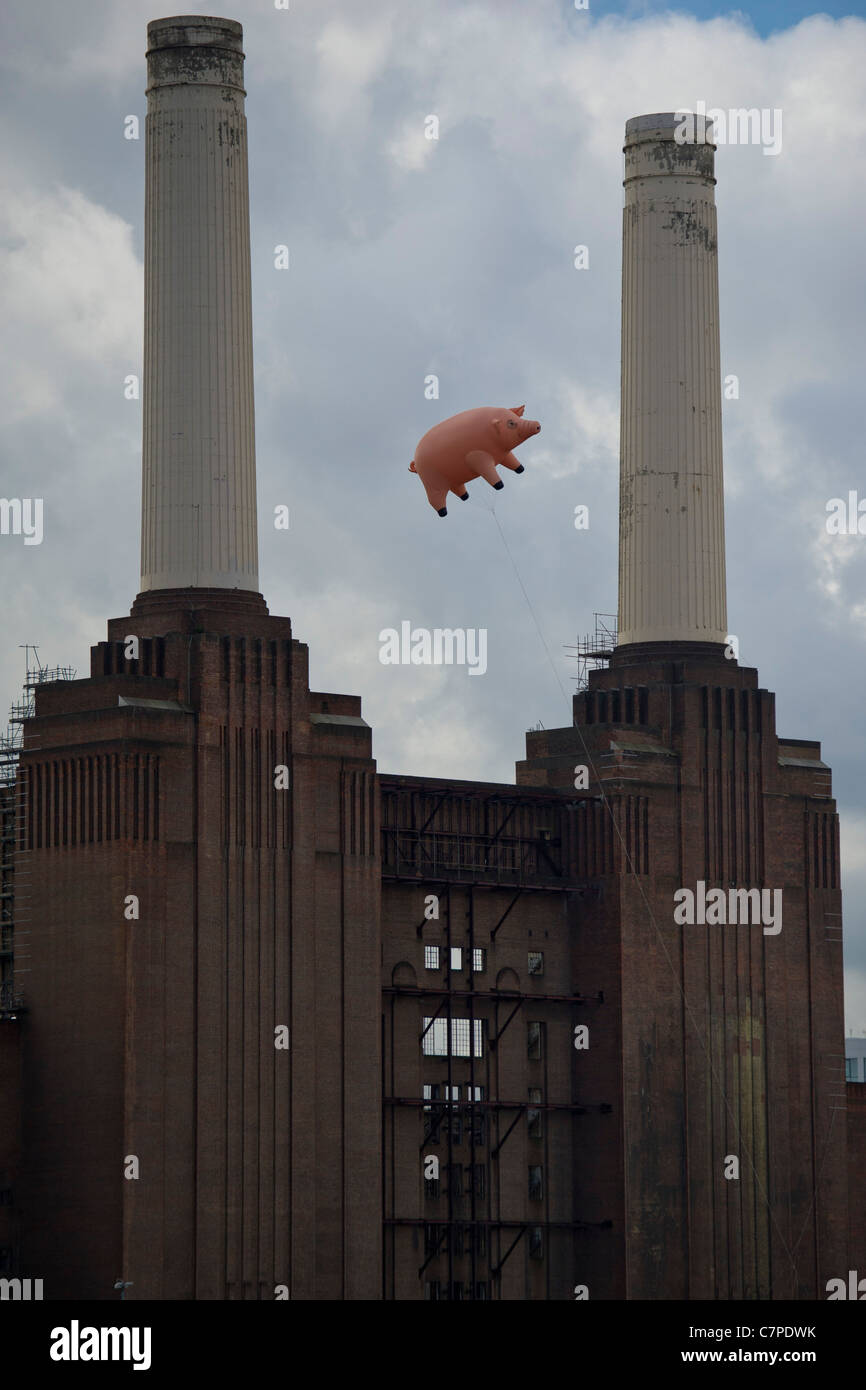 An inflatable pig flies once more over Battersea Power