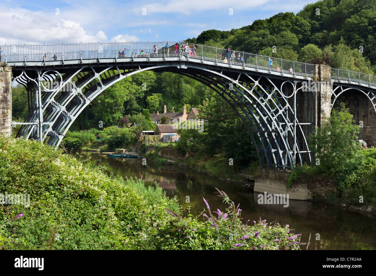 The famous Iron Bridge spanning the River Severn in the historic town of Ironbridge, Shropshire, England, UK - Stock Image