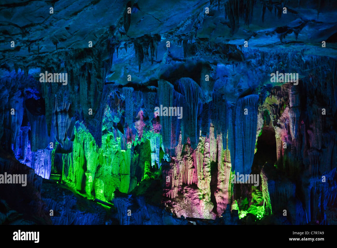 Ludi (Reed Flute) Cave, limestone cave formation, near Guilin, Guangxi Province, China - Stock Image